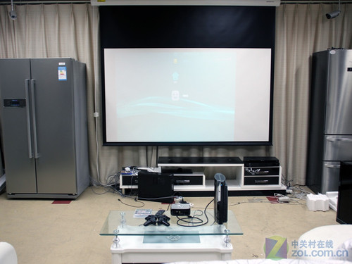 看球赛行吗?20平米客厅考验LED投影机